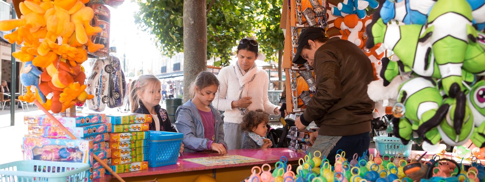 Feestje voor kinderen op Julianaplein